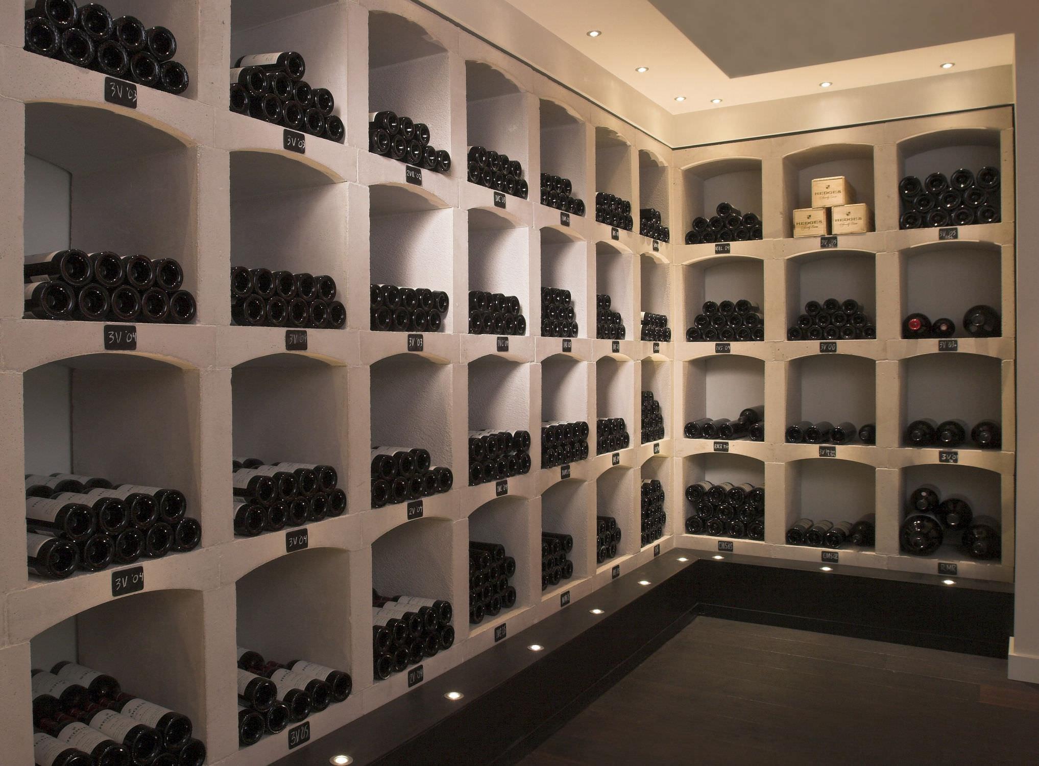 cave a vin pour une gestion des bouteilles de votre cave. Black Bedroom Furniture Sets. Home Design Ideas